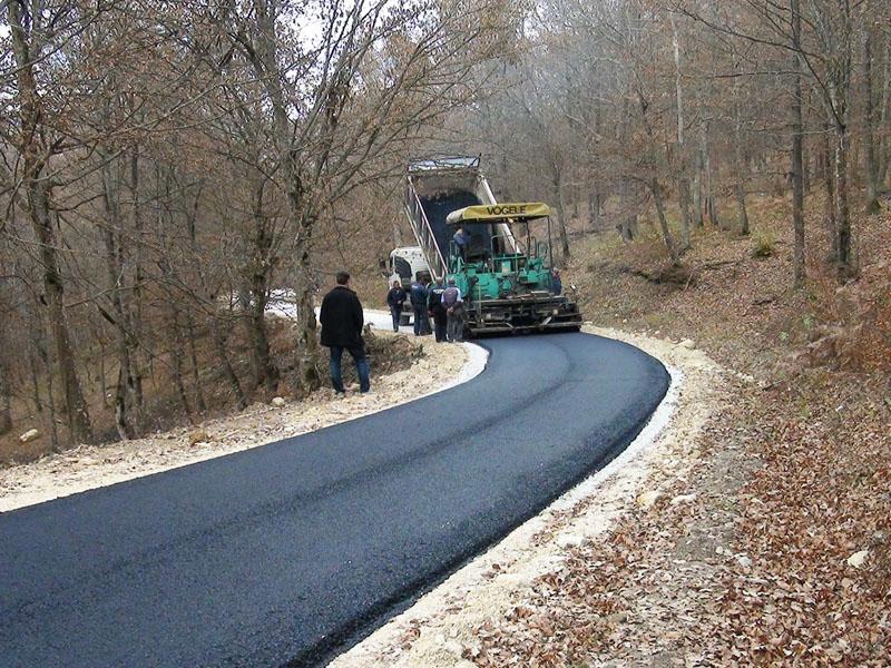 Slikovni rezultat za asfaltiranje